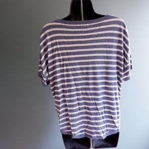 H&M Tops - H&M basic size small top blue stripes shirt